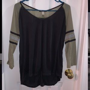 3/4 length Billabong top